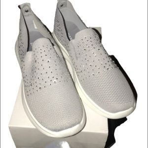 Danskin ZEST Slip On Sneaker with Detail Upper 10M